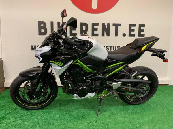 Pilt: Kawasaki Z900 200 renditsikkel Bikerent