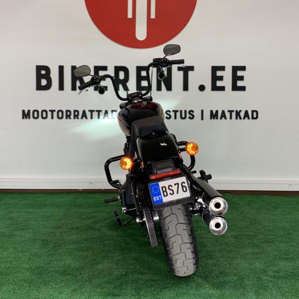 Pilt: mootorratas Harley-Davidson Street Bob 114 tagant vaade