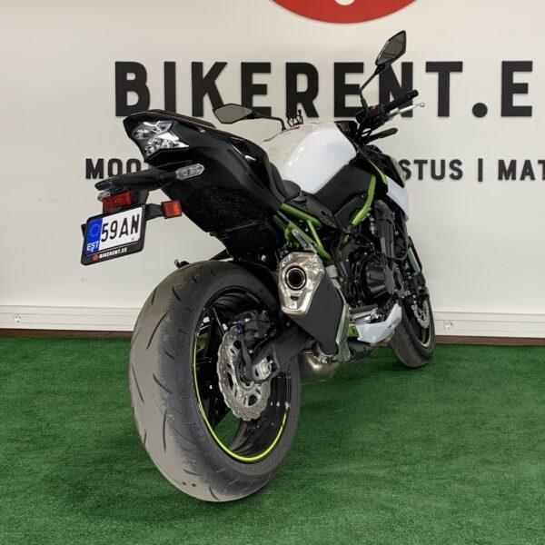 Image: mootorratas Kawasaki Z900 for rent tagant vaade